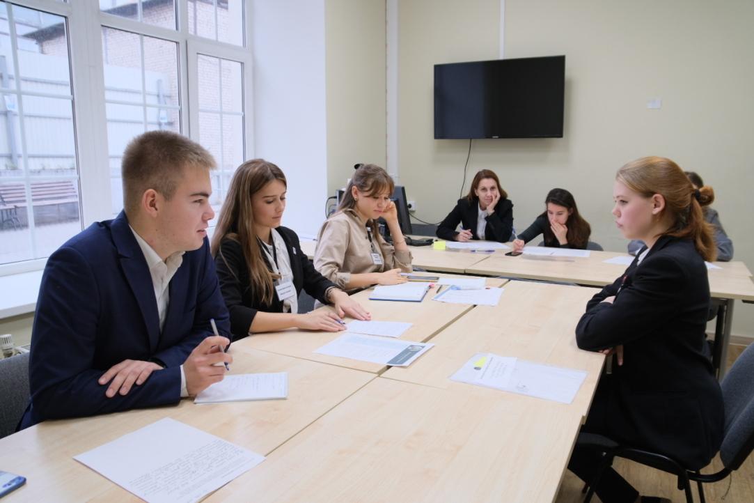Как стать успешным выпускником: в Питерской Вышке прошел конкурс для старшеклассников